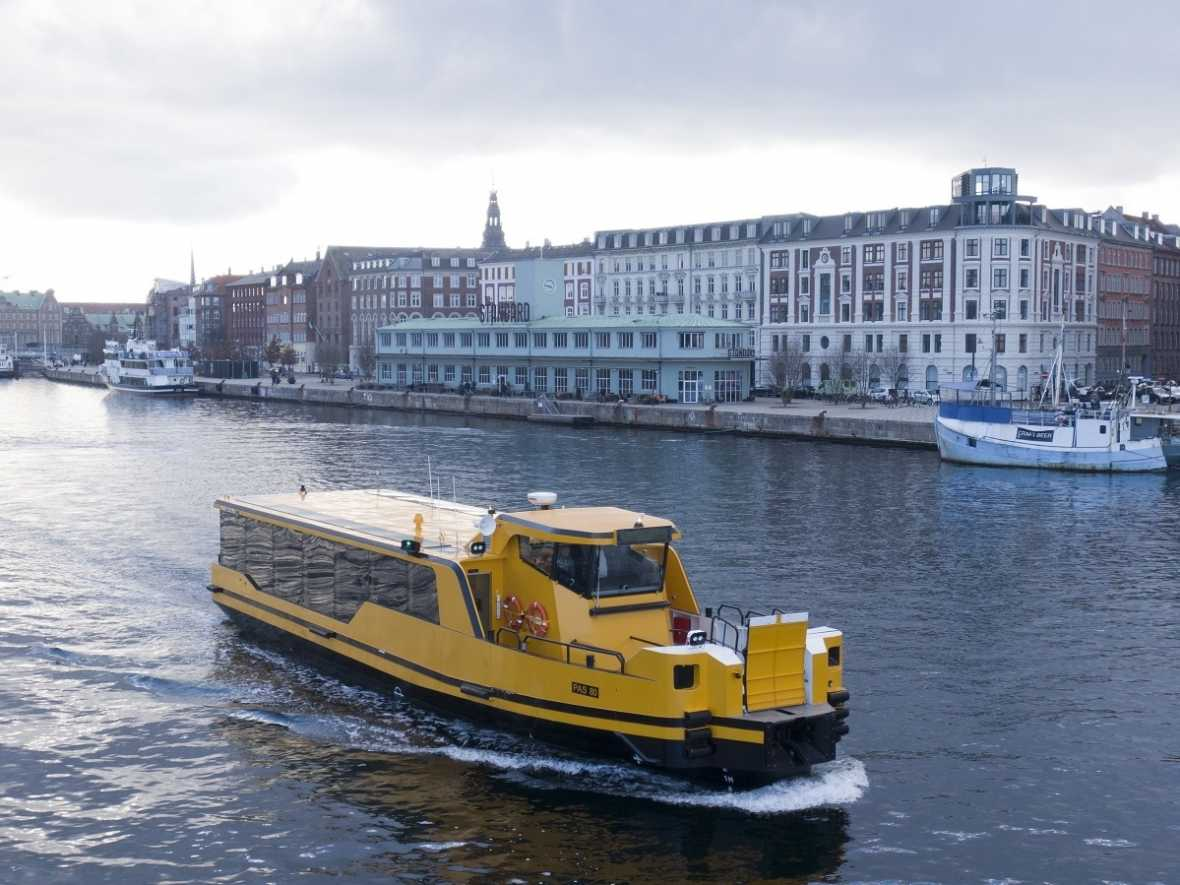 Damen delivers five zero emissions ferries to Danes