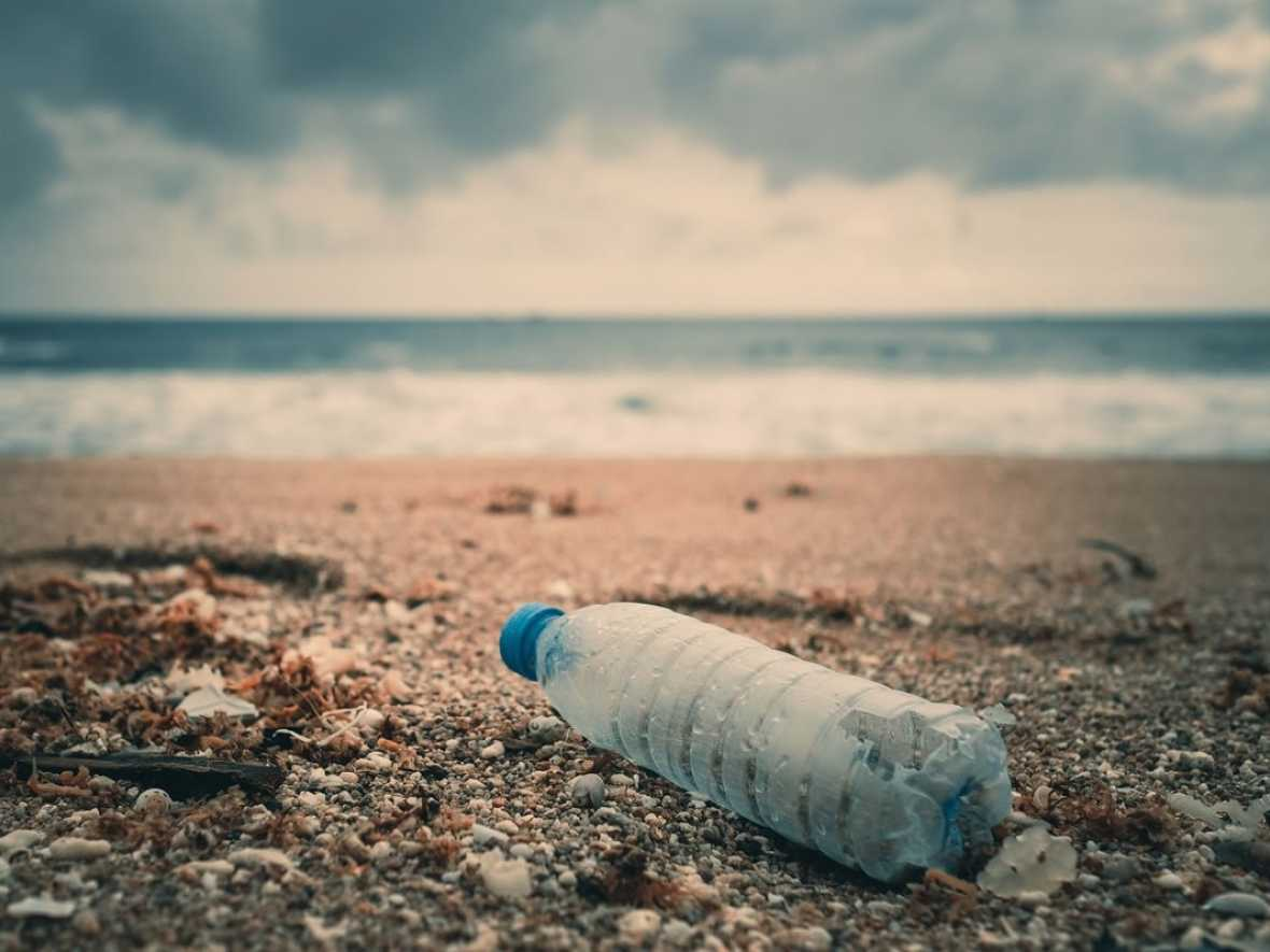 India to ban single use plastic on all calling ships