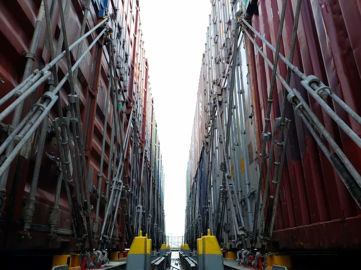 Insurers pinpoint the complex causation of container casualties