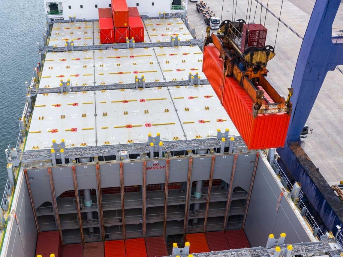 Trio aim to improve port safety