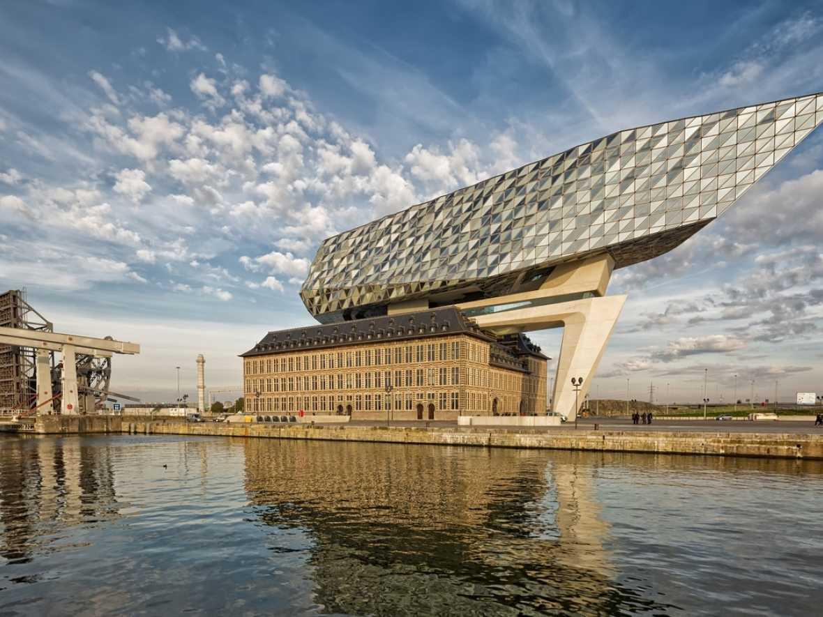 Antwerp demonstrates shipping decarbonisation efforts to EU regulators