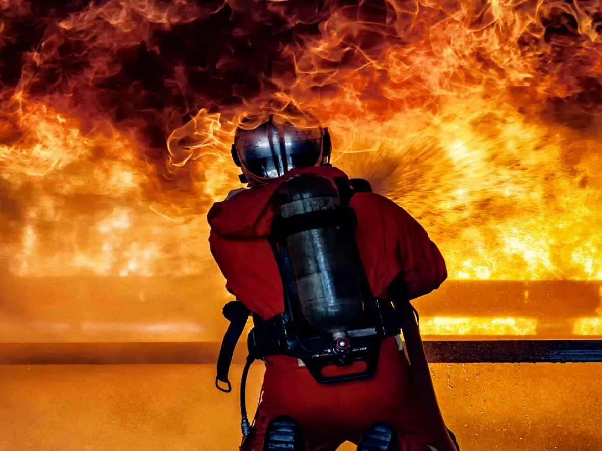 ABS issues firefighting advice for box ships