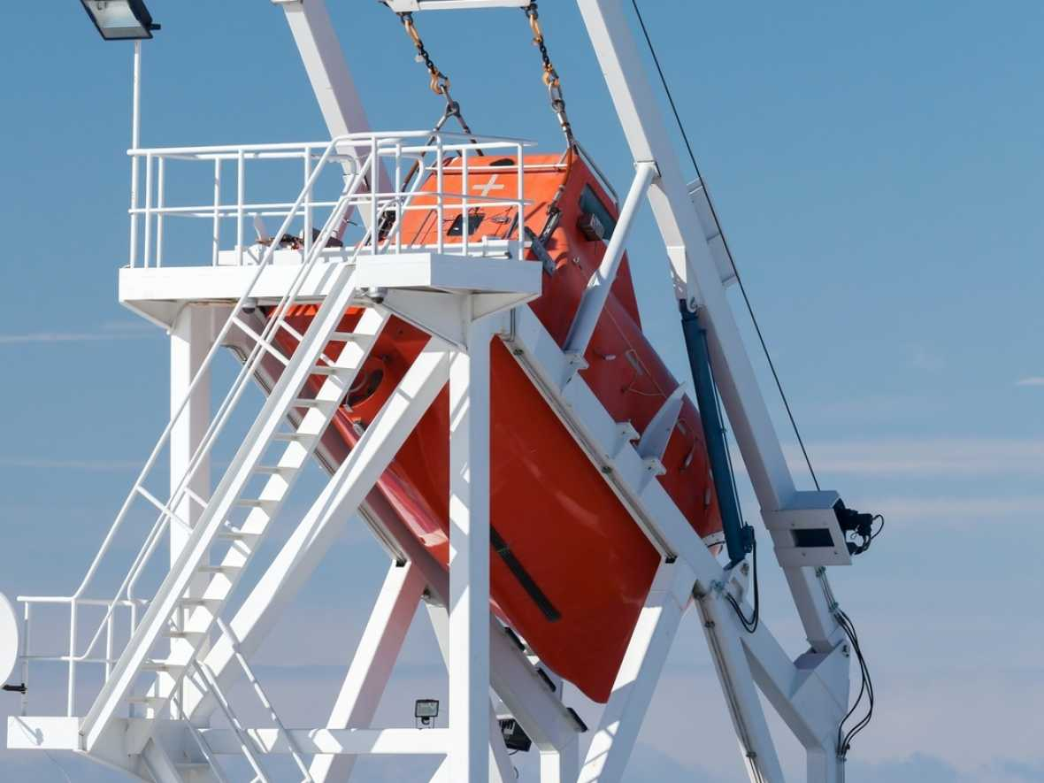 Safety warning on GEPA lifeboat release problem