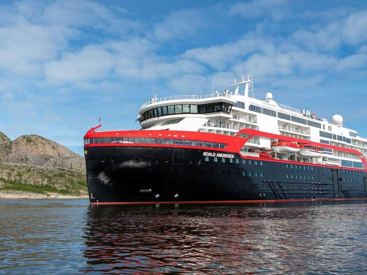 Battery operation marks cruise sector first for Hurtigruten