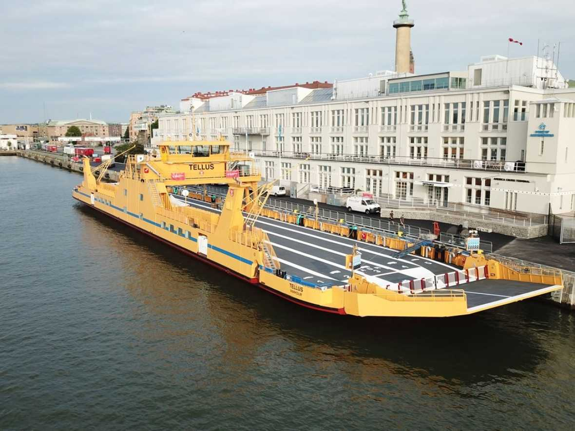 Sweden's largest electric-hybrid ferry running on Volvo Penta gensets