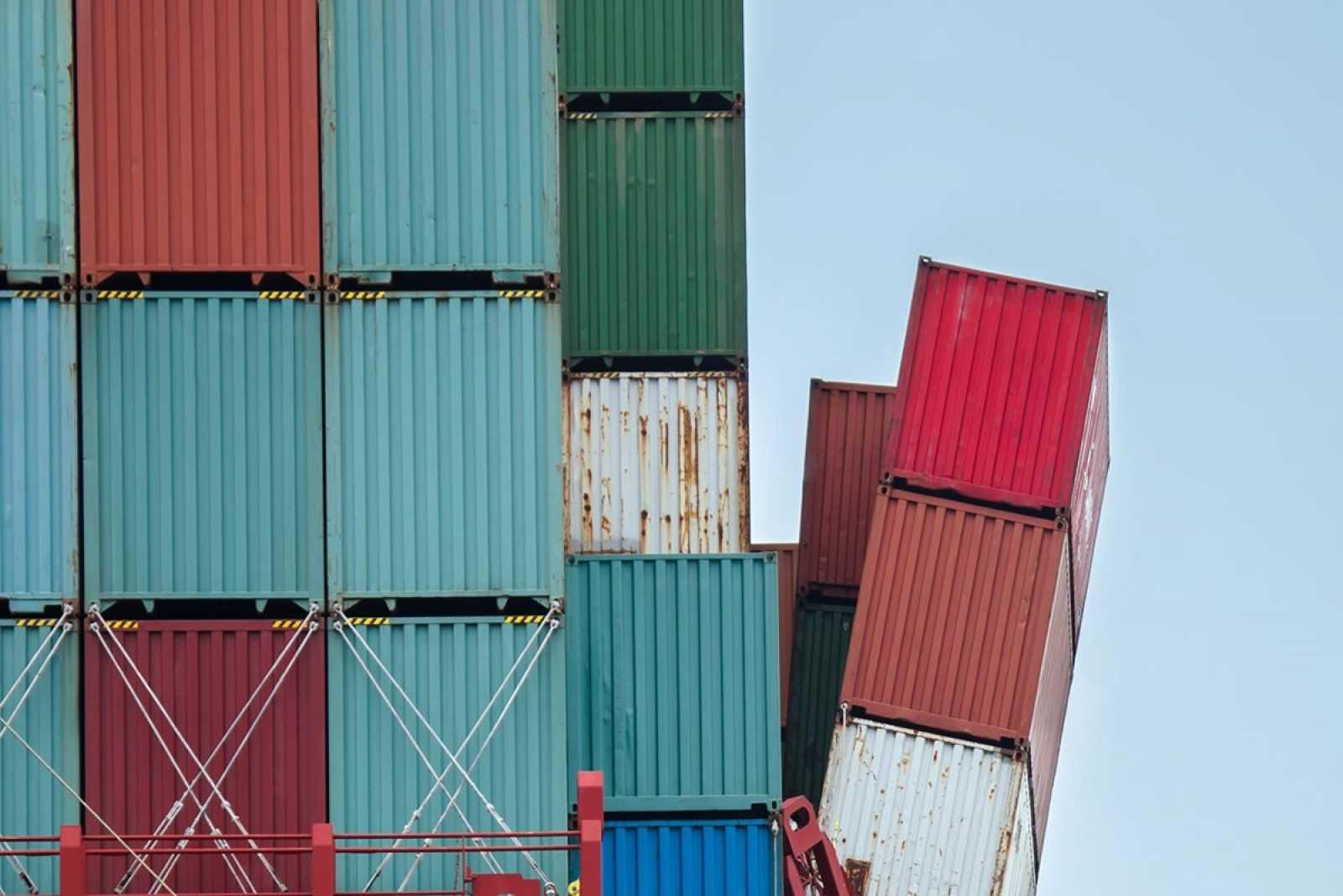Container tumble