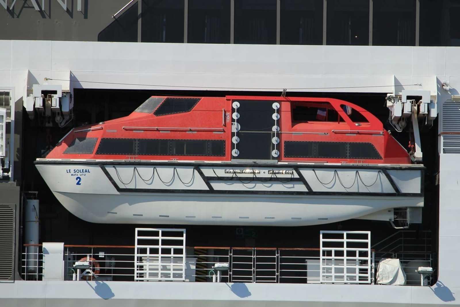 Lifeboat 190319 110659 75nayp73g